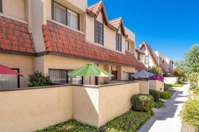 27611 Nugget Drive #2, Canyon Country, CA 91387 (#SR21207843) :: TruLine Realty