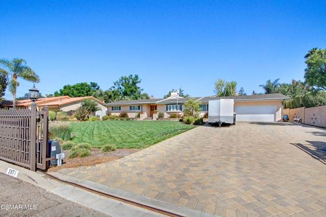 2871 Howe Road, Simi Valley, CA 93065 (#221005178) :: Compass