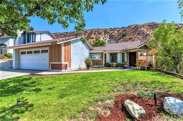 29164 Poppy Meadow Street, Canyon Country, CA 91387 (#SR21208356) :: Compass