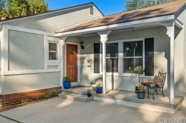 6504 Hanna Avenue, Woodland Hills, CA 91303 (#SR21204519) :: The Suarez Team