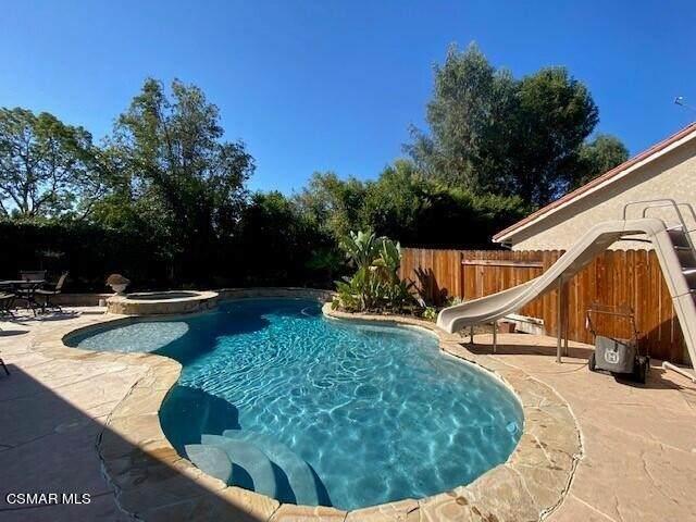 194 Wedgewood Circle, Thousand Oaks, CA 91360 (#221005221) :: The Suarez Team