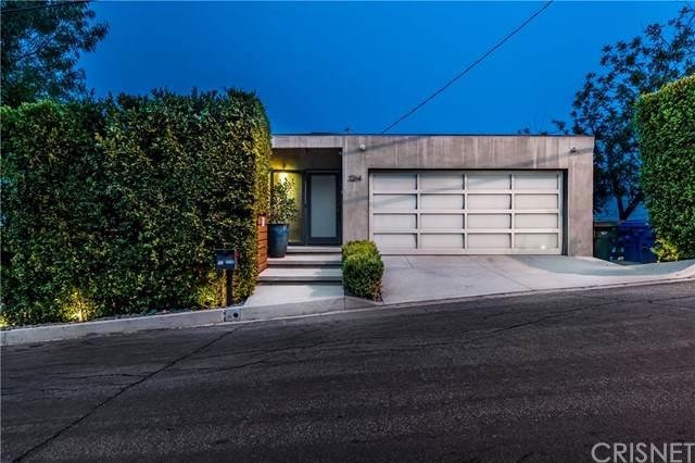 3264 Wrightwood Drive, Studio City, CA 91604 (#SR21211805) :: Compass