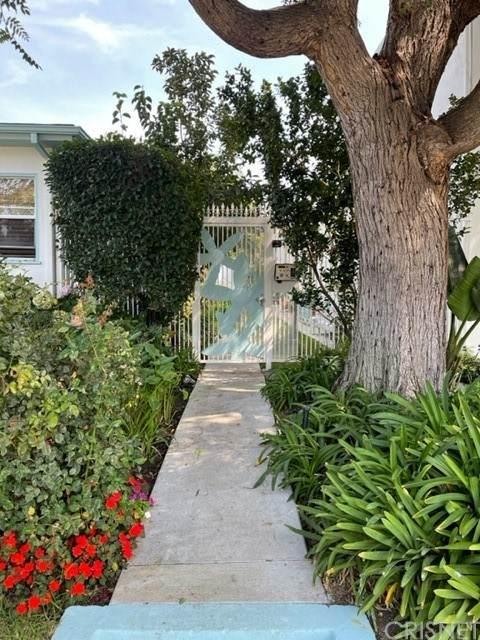 1445 Stanford Street - Photo 1