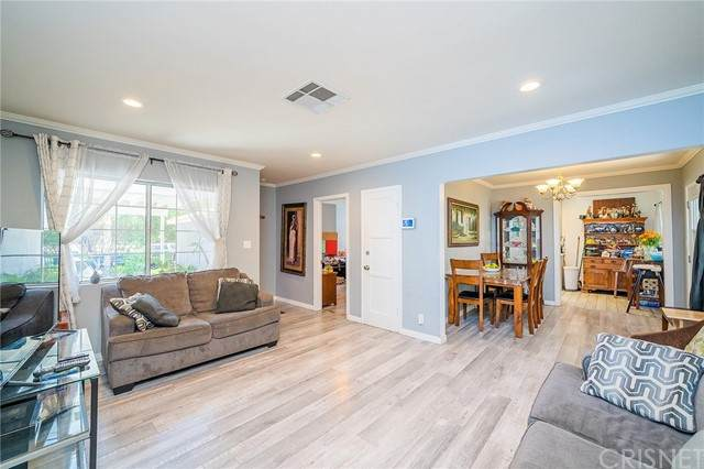 9047 Canterbury Avenue, Arleta, CA 91331 (#SR21220264) :: Lydia Gable Realty Group