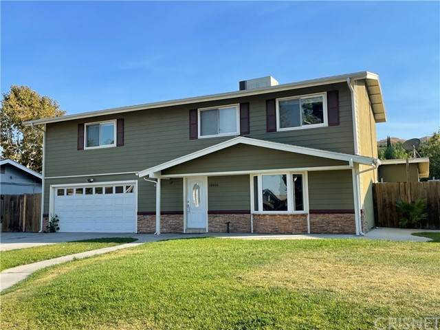 18816 Mountain Dale Court, Newhall, CA 91321 (#SR21222235) :: The Grillo Group