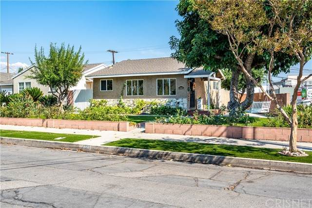 1410 N Rose Street, Burbank, CA 91505 (#SR21222397) :: The Bobnes Group Real Estate