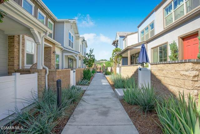 1969 Cottage Drive #1, Simi Valley, CA 93065 (#221005455) :: The Bobnes Group Real Estate
