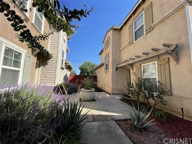 3809 Carrotwood Street, Riverside, CA 92501 (#SR21226815) :: The Bobnes Group Real Estate
