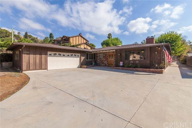 9922 Wornom Avenue, Shadow Hills, CA 91040 (#SR21226343) :: Lydia Gable Realty Group