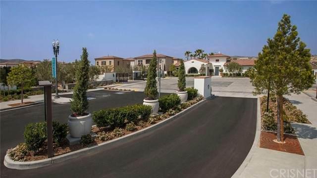 21856 Moveo Drive, Saugus, CA 91350 (#SR21228773) :: The Parsons Team