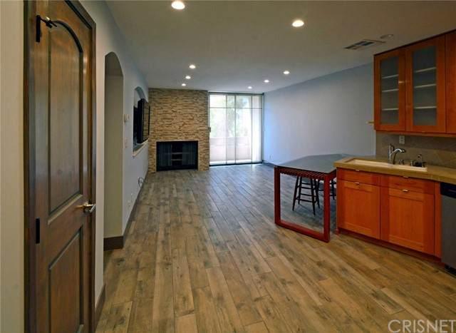 740 N Kings Road #201, West Hollywood, CA 90069 (#SR21227499) :: The Bobnes Group Real Estate