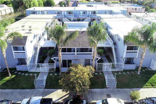20930 Parthenia Street #212, Canoga Park, CA 91304 (#SR21228388) :: Powell Fine Homes Group, Inc.