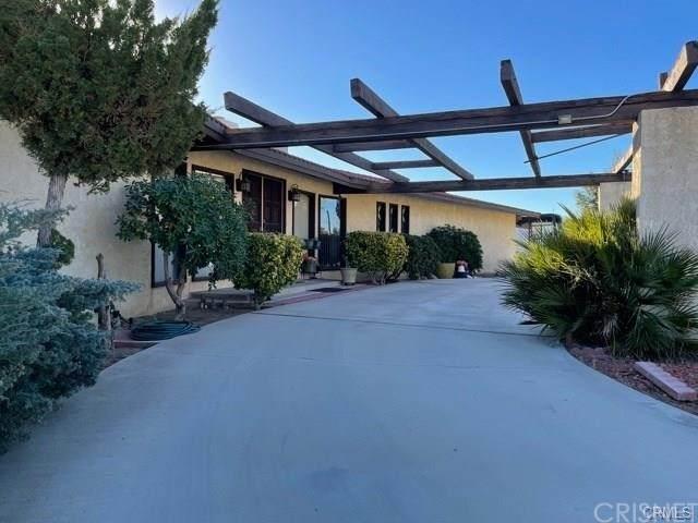 18511 Cocqui Road, Apple Valley, CA 92307 (#SR21230874) :: The Bobnes Group Real Estate