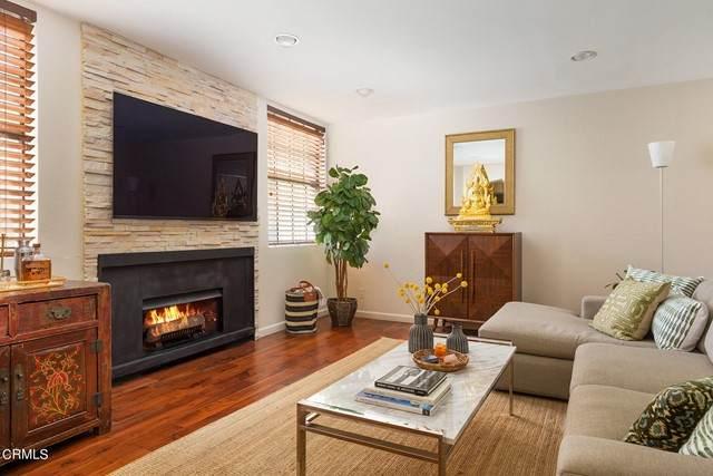 750 N Kings Road #208, Los Angeles, CA 90069 (#P1-7128) :: The Bobnes Group Real Estate
