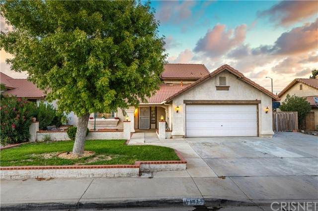 1323 Windsor Place, Palmdale, CA 93551 (#SR21232047) :: The Grillo Group