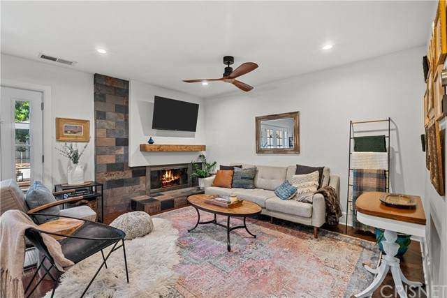 18134 Killion Street #1, Tarzana, CA 91356 (#SR21232250) :: Mark Moskowitz Team | Keller Williams Westlake Village