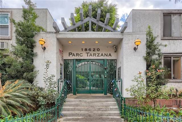 18620 Hatteras Street #284, Tarzana, CA 91356 (#SR21222997) :: Mark Moskowitz Team | Keller Williams Westlake Village