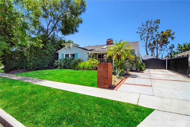 5715 Bucknell Avenue, North Hollywood, CA 91607 (#SR21232932) :: Vida Ash Properties   Compass