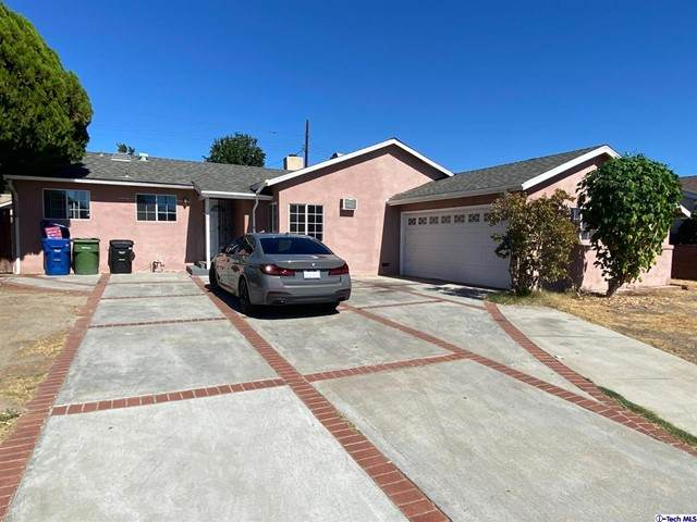 7028 Park Manor Avenue, North Hollywood, CA 91605 (#320008140) :: The Bobnes Group Real Estate