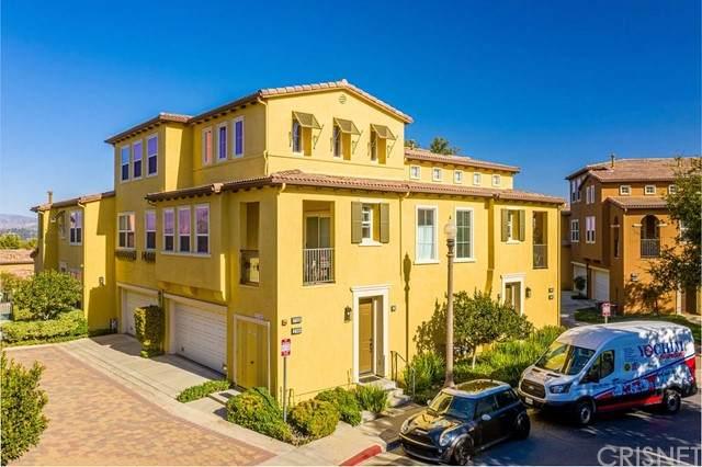 27006 Pebble Beach Drive, Valencia, CA 91381 (#SR21233049) :: The Grillo Group