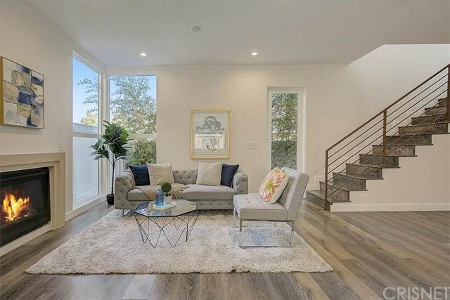 9237 Wakefield Avenue #5, Panorama City, CA 91402 (#SR21233345) :: Randy Plaice and Associates