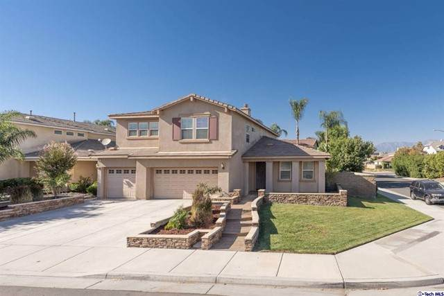 13336 Wagon Creek Way, Eastvale, CA 92880 (#320008147) :: Vida Ash Properties | Compass