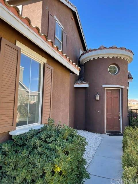 6517 E Avenue R4, Palmdale, CA 93552 (#SR21233935) :: Berkshire Hathaway HomeServices California Properties
