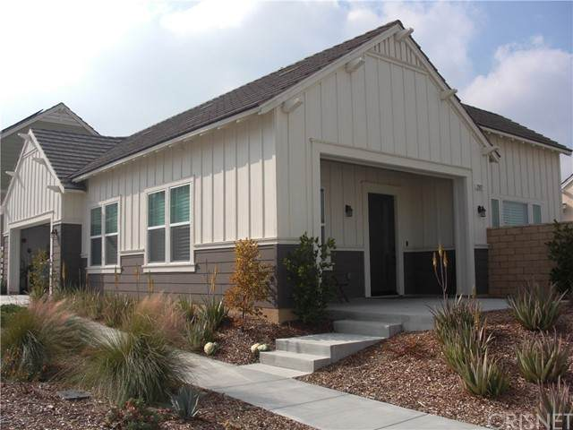 25127 Grapefruit Lane, Canyon Country, CA 91387 (#SR20018399) :: Lydia Gable Realty Group