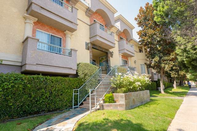 7035 Woodley Avenue #118, Lake Balboa, CA 91406 (#SR20182467) :: Berkshire Hathaway HomeServices California Properties