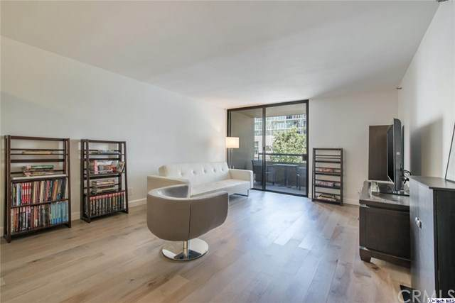 600 W 9th Street #313, Los Angeles, CA 90015 (#320003438) :: Lydia Gable Realty Group