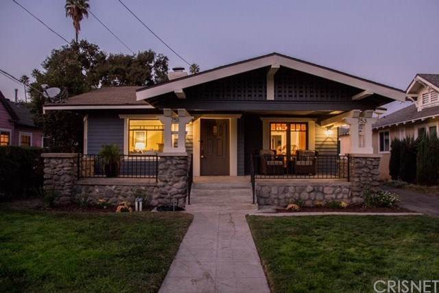 751 Santa Barbara Street, Pasadena, CA 91101 (#SR20207812) :: Randy Plaice and Associates