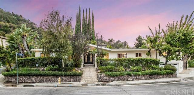 3607 Bellfield Way, Studio City, CA 91604 (#SR20218363) :: SG Associates