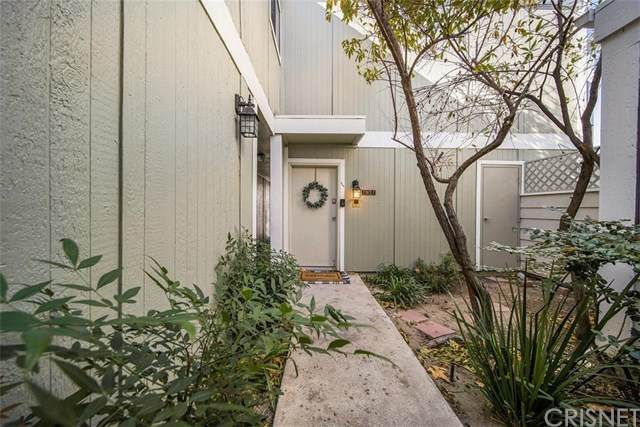 27072 Hidaway Avenue #7, Canyon Country, CA 91351 (#SR20245403) :: Lydia Gable Realty Group