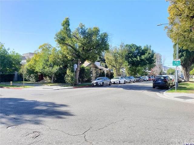 320 California Avenue - Photo 1