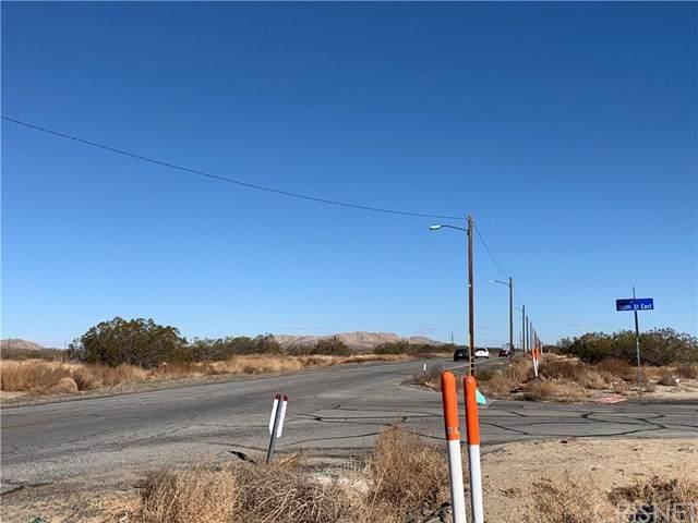 0 Vac/Cor Palmdale Bl Pav /105Th S, Sun Village, CA 93543 (#SR21029814) :: The Suarez Team