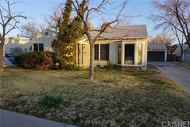 835 W Newgrove Street, Lancaster, CA 93534 (#SR21040594) :: Berkshire Hathaway HomeServices California Properties