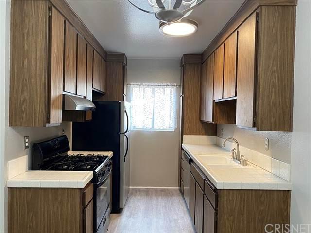 31732 Ridge Route #211, Castaic, CA 91384 (#SR21091498) :: Montemayor & Associates