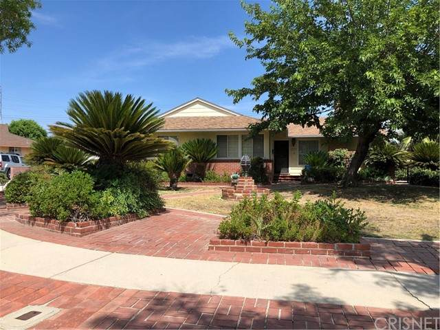 10626 Saloma Avenue, Mission Hills (San Fernando), CA 91345 (#SR21161436) :: Berkshire Hathaway HomeServices California Properties
