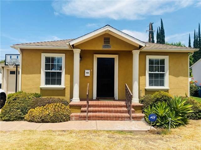 17333 Collins Street, Encino, CA 91316 (#SR21162459) :: Montemayor & Associates