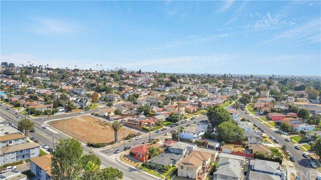 6254 S La Brea Avenue, Ladera Heights, CA 90056 (#SR21175730) :: Lydia Gable Realty Group