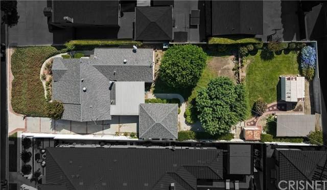 16700 Moorpark Street, Encino, CA 91436 (#SR21212114) :: Compass