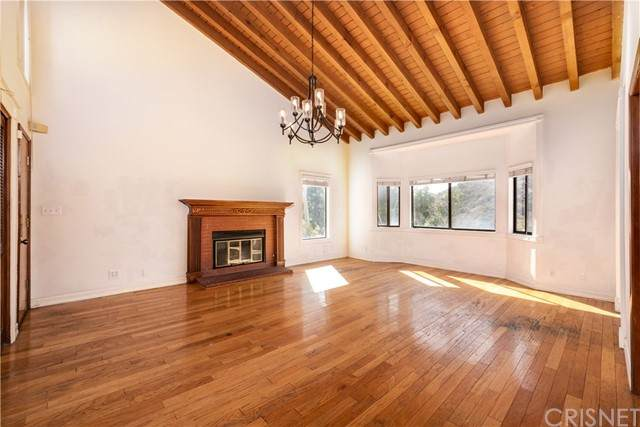 3360 E Chevy Chase Drive, Glendale, CA 91206 (#SR21216809) :: The Bobnes Group Real Estate