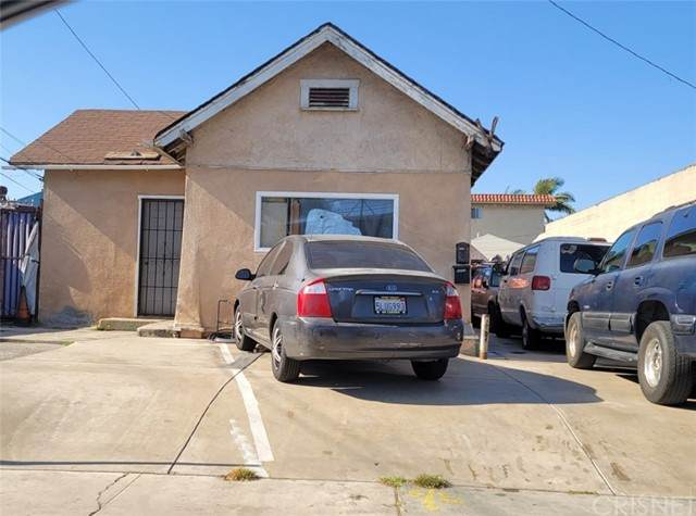 4605 W Imperial, Inglewood, CA 90304 (#SR20256282) :: The Bobnes Group Real Estate