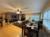 20 Mohican Road - Photo 2