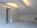 105 Middlesex Avenue - Photo 20