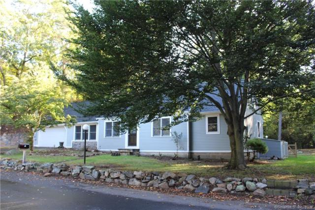10 Vineyard Point Road, Guilford, CT 06437 (MLS #170023625) :: Carbutti & Co Realtors