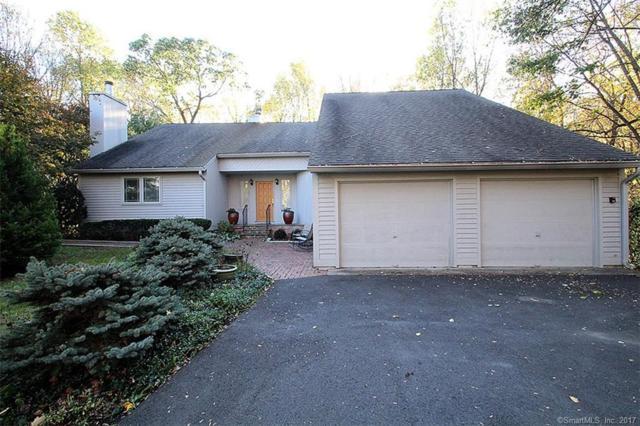 12 Lisa Lane, Woodbridge, CT 06525 (MLS #170029128) :: Carbutti & Co Realtors