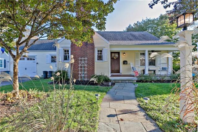 121 Ravencrest Drive, Stratford, CT 06614 (MLS #170032274) :: The Higgins Group - The CT Home Finder