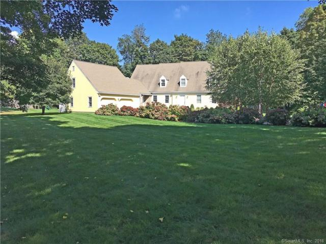 26 Oak Knoll Road, Ridgefield, CT 06877 (MLS #170045797) :: The Higgins Group - The CT Home Finder