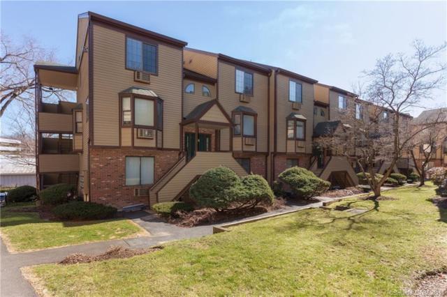 8 Oakwood Avenue B4, Norwalk, CT 06850 (MLS #170056504) :: Carbutti & Co Realtors
